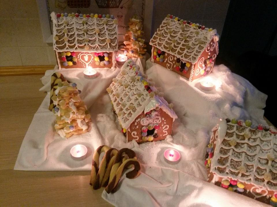 Casetta Di Natale Con Pasta Frolla : Chiara in sugarland tutorial villaggio natalizio casette pan di