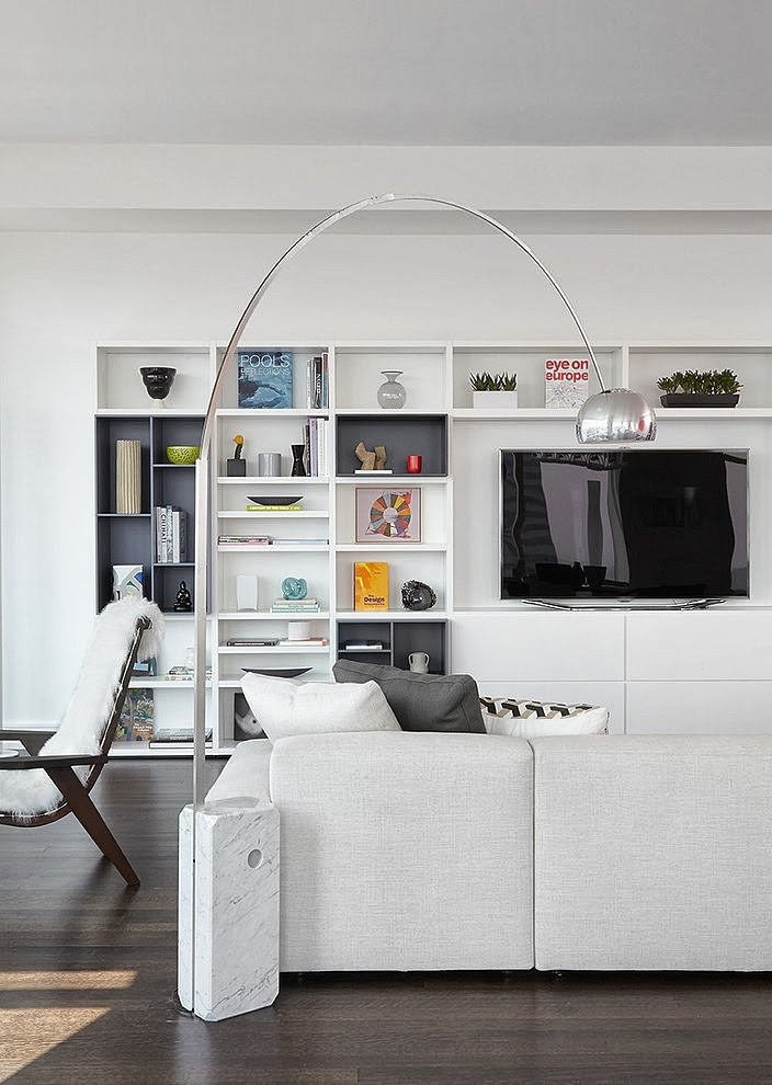 White furniture in Modern apartment by Tara Benet in New York