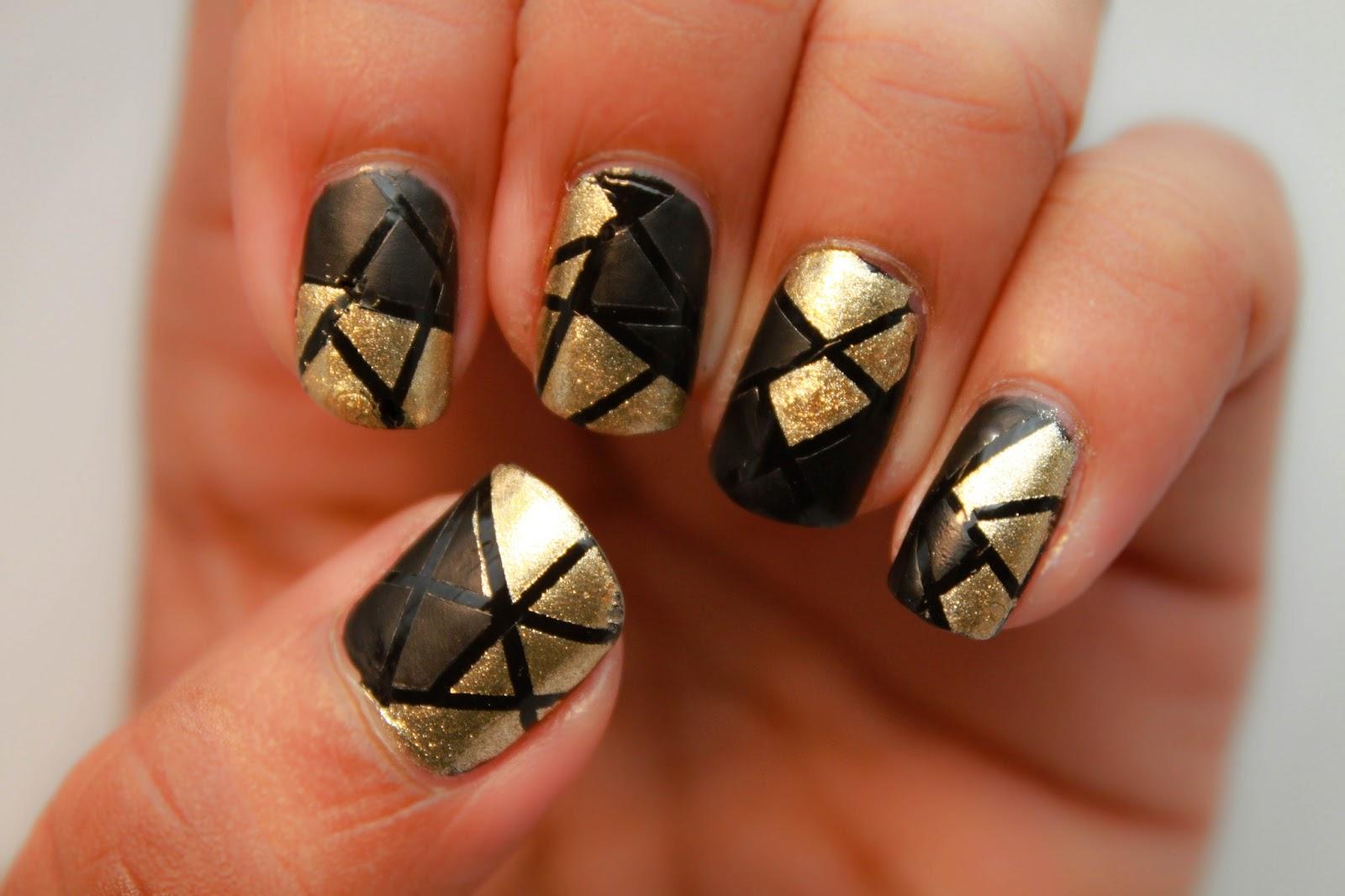 Black dress nails - Gold Dress Nails Painted