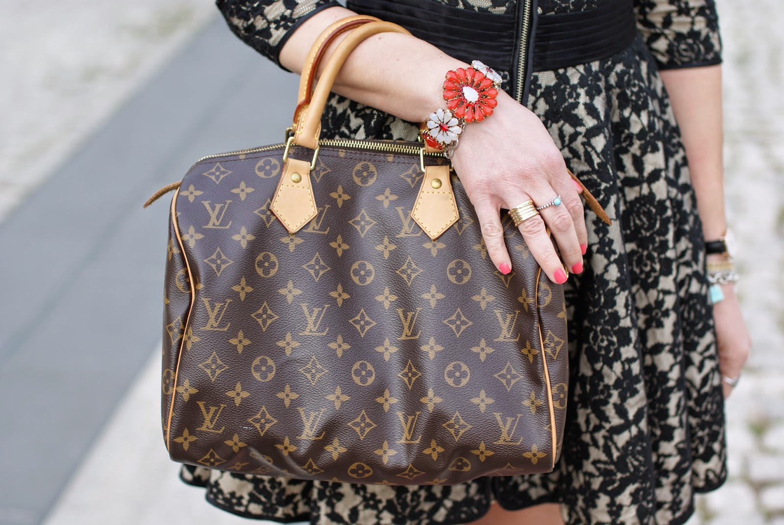 Louis Vuitton Speedy 30 bag, Sodini bracelet, BVLGARI BZero ring, Fashion and Cookies, fashion blogger