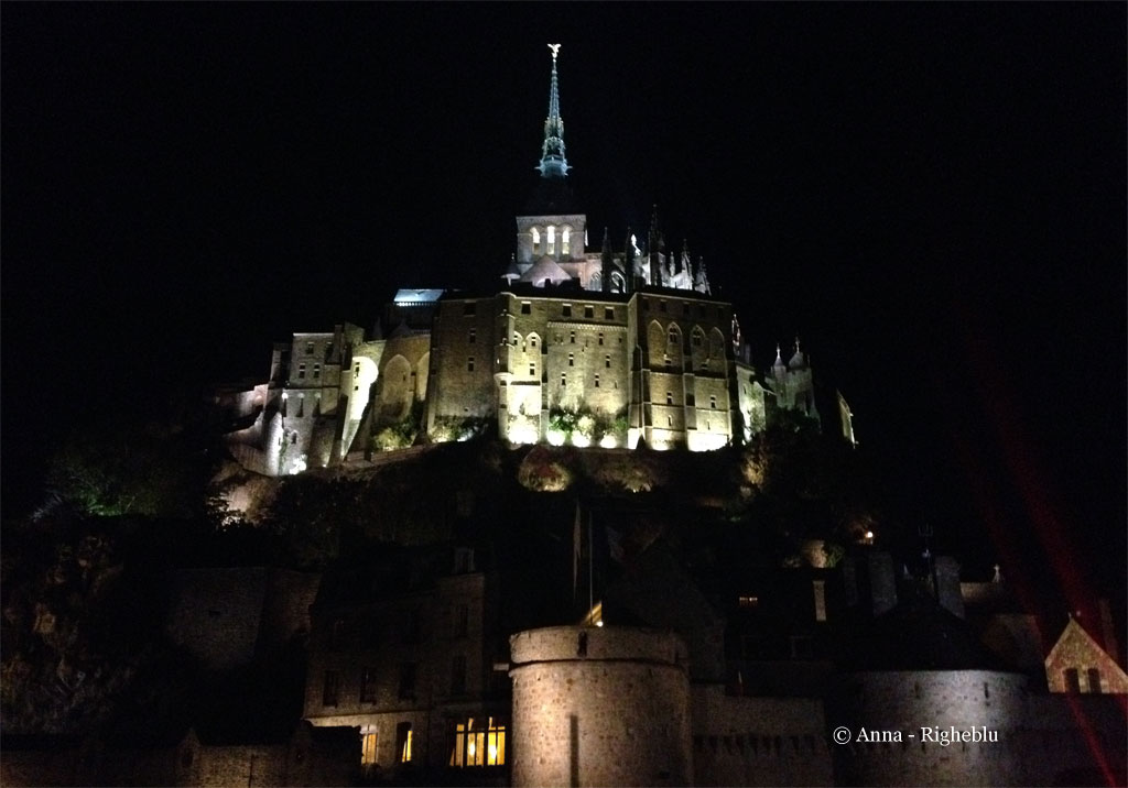 - IMG_mont_saint_michel_notturno_Anna_Righeblu_idee_weekend_Anna_Marrocco_1e