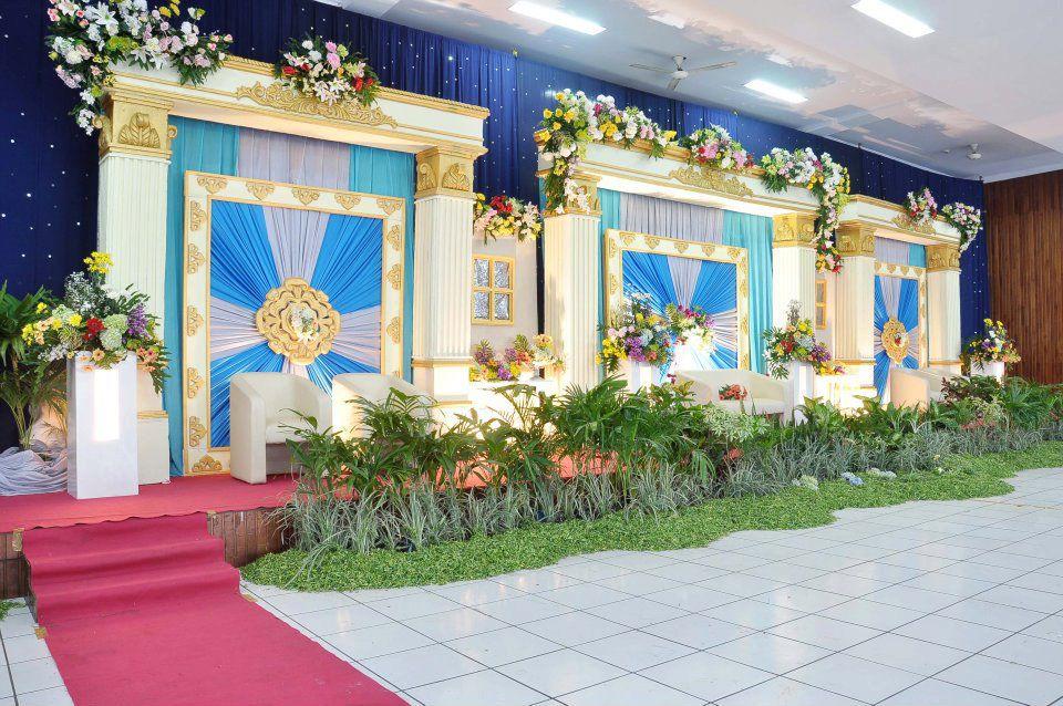 Diposkan oleh aisyah metro wedding di 00.06