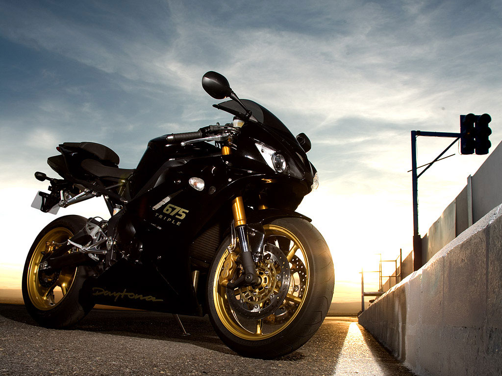 Wallpaper Moto Triumph Daytona 675 SE!