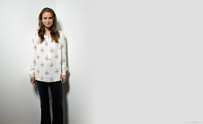 Natalie Portman Wallpaper-HD-1600x1200-02