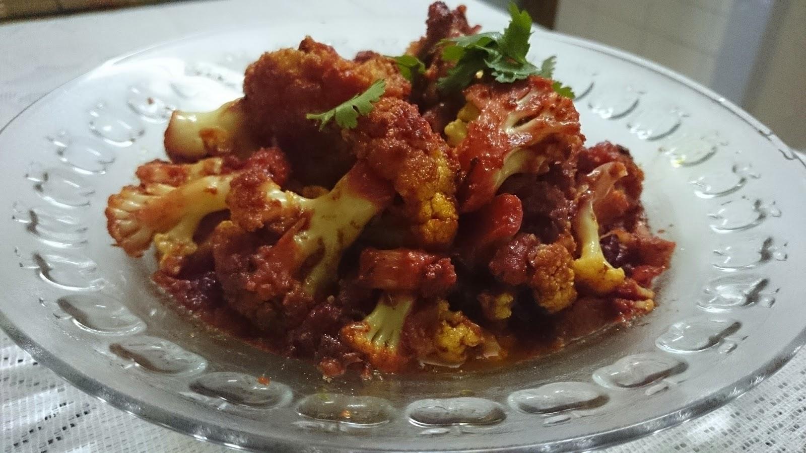 Tandoori gobhi tikka masala ( roasted cauliflower in gravy)