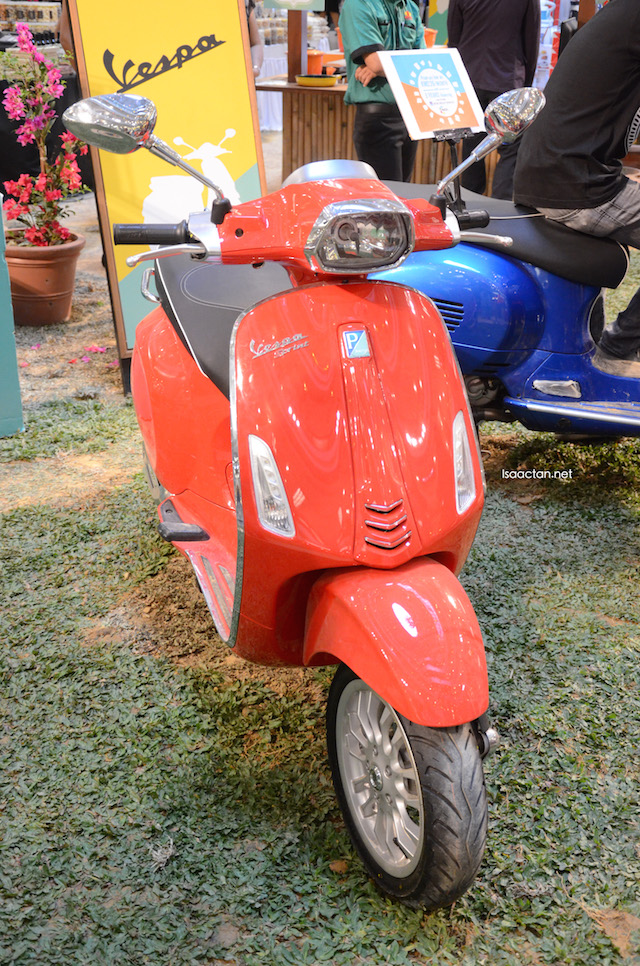 Vespa showcase