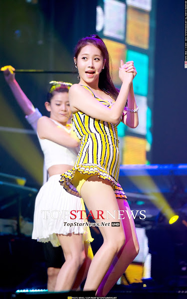 Yura Darling Live