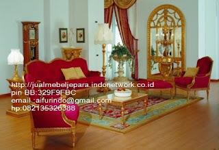 sofa klasik jepara jual mebel jepara Mebel furniture klasik jepara jual set sofa tamu ukir sofa tamu jati sofa tamu antik sofa jepara sofa tamu duco jepara furniture jati klasik jepara SFTM-33047