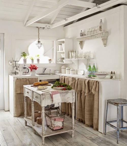 Vicky 39 s home encantadora casa de campo charming cottage for Cortinas para living comedor rustico