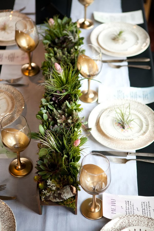focal point styling winter white green christmas tablescape ideas. Black Bedroom Furniture Sets. Home Design Ideas