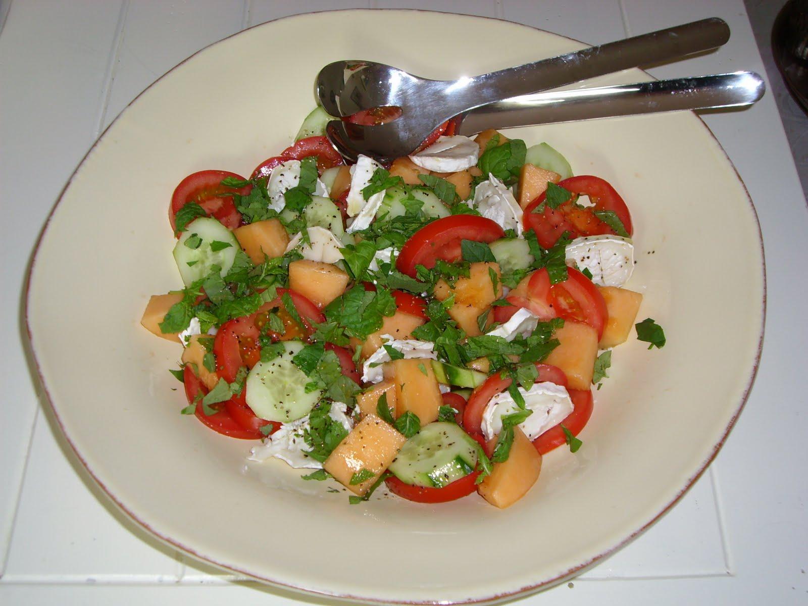 Bentes Matblogg: Sommersalat med melon og agurk