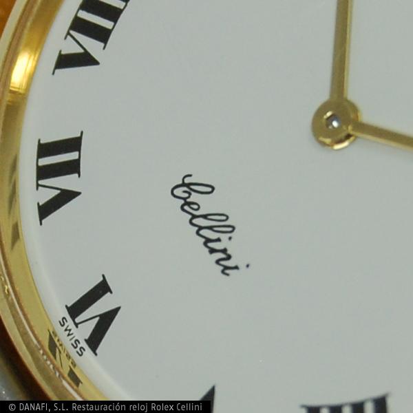Detalle de esfera de reloj Rolex restaurado.