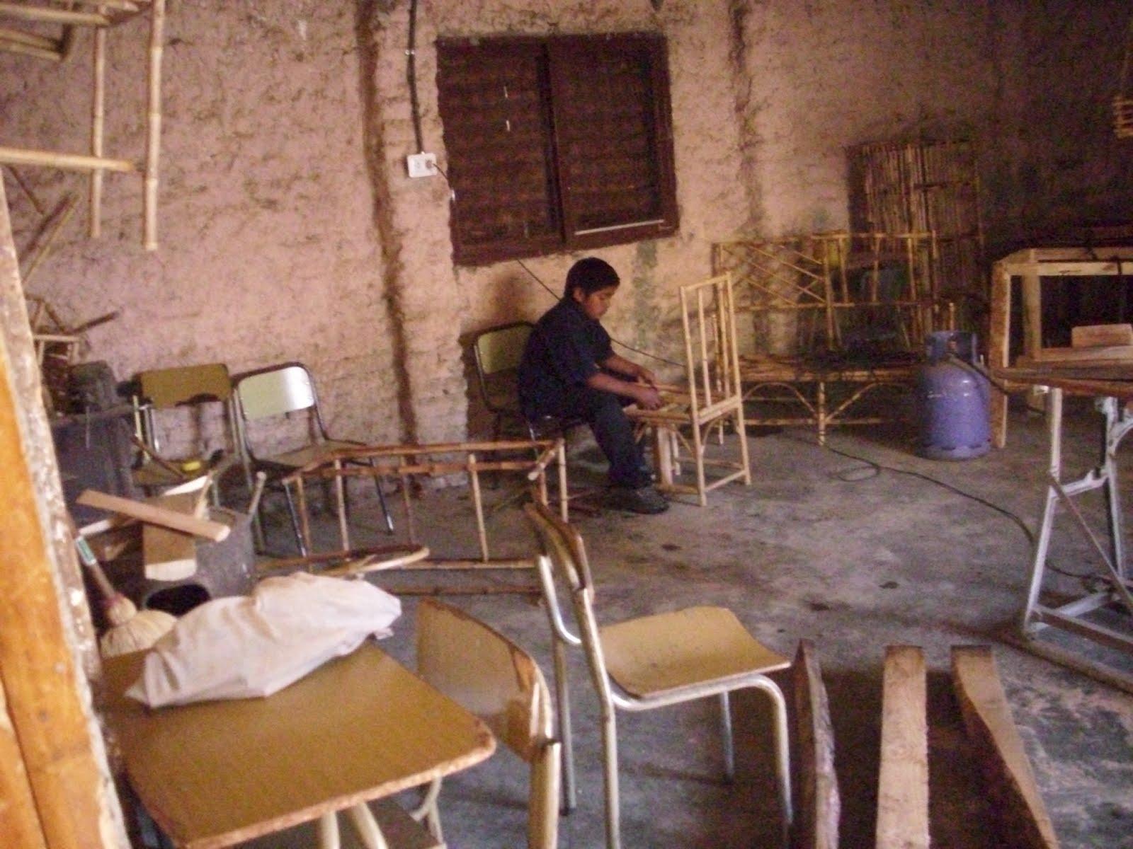 En el taller de ca a pn lan n ruka choroy escuela n for Lanin muebles