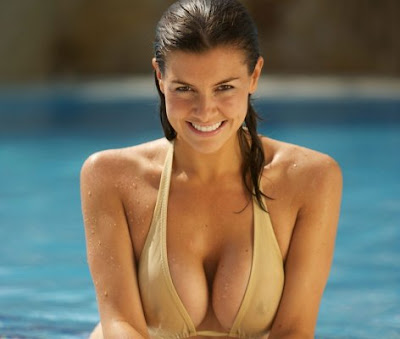 sexy picture of Imogen Thomas in pool