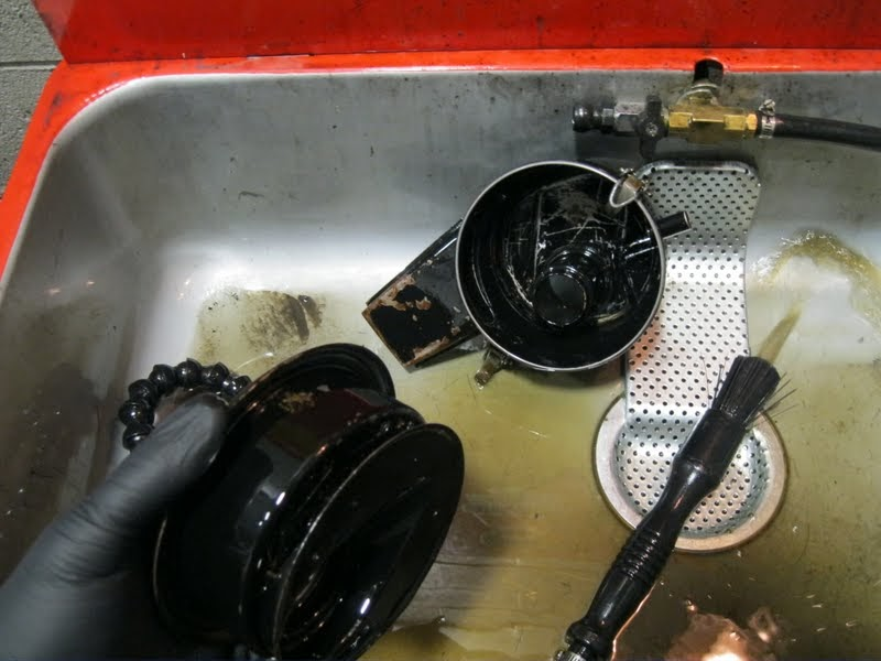 F30 Oil Bath Air Cleaner : The bug boys cleaning an oil bath air cleaner