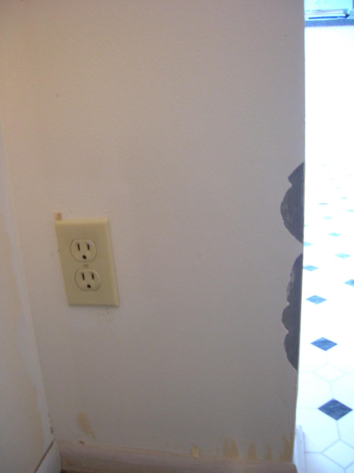 http://2.bp.blogspot.com/-6LOwsfpK0gI/T241rneDhFI/AAAAAAAAGwU/aoRsSolK7rA/s1600/family+room+redo+removing+wallpaper+001.JPG