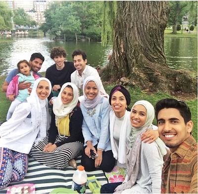 5 Foto Isteri Humood Alkhudher - Mafaz Al Suwaidan