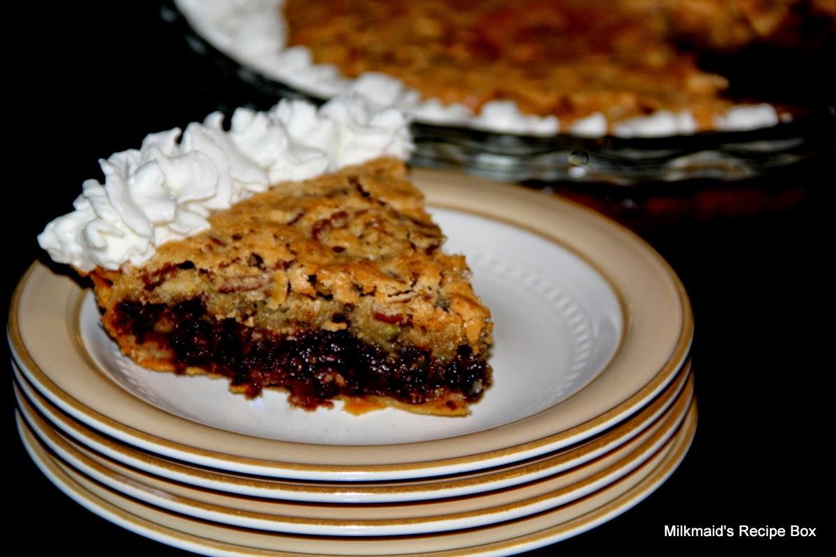 Milkmaid's Recipe Box: Chocolate Chip - Pecan Pie *