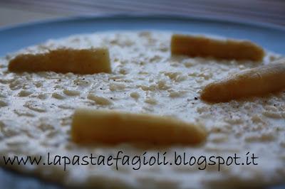 riso acquerello con crema di asparago di mambrotta mantecato con burro al limone