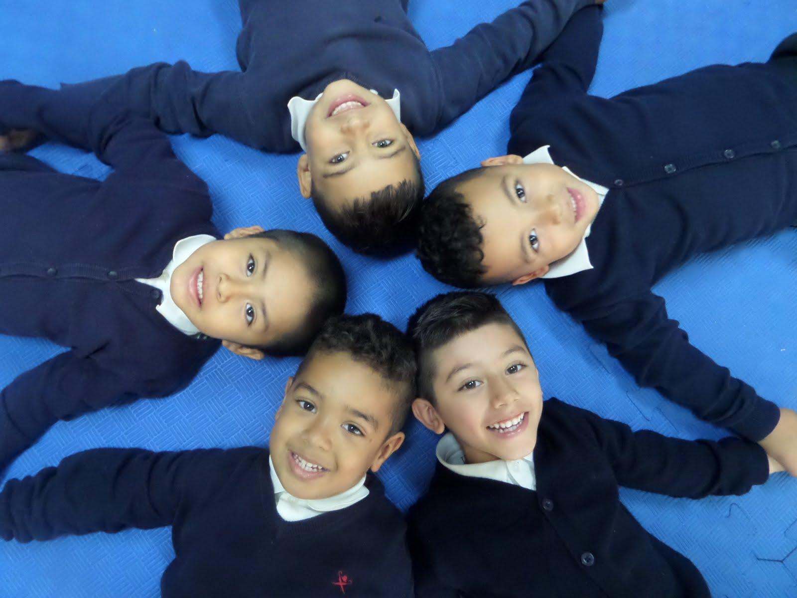 Juan, Pedro, Nicolas, Andrés y Harryson.