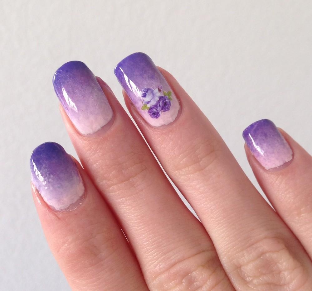 nail-art-gradient-violet-fleurs