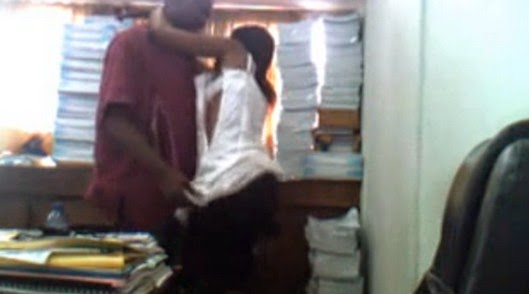 Female Student's Graduation stopped by Lecturers bcos of Sex