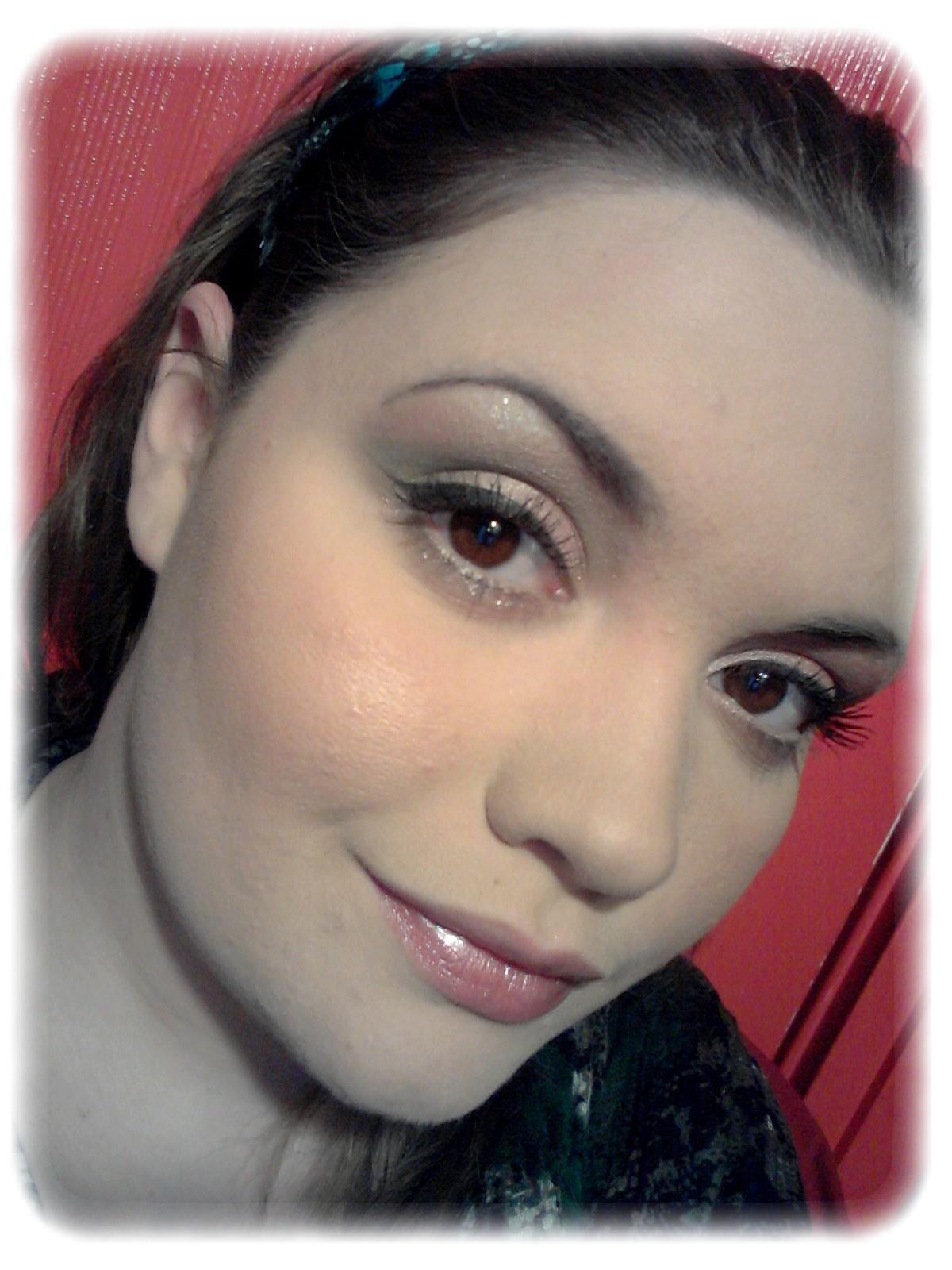 make me up maquillage printanier cut crease vert et rose. Black Bedroom Furniture Sets. Home Design Ideas