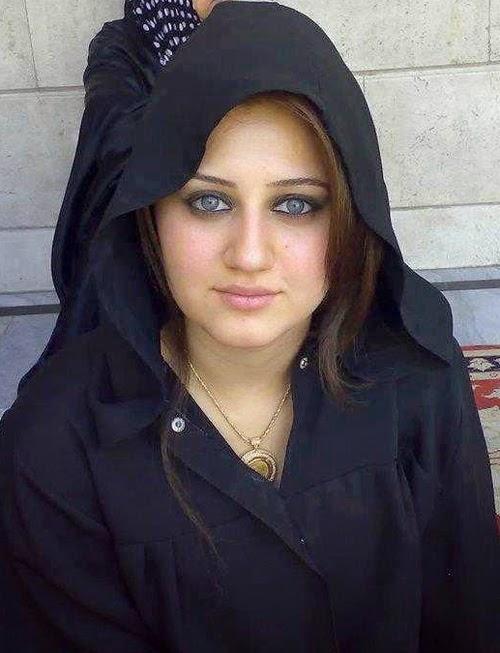 women naked in arabia