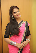 Sonali sizzling photos in saree-thumbnail-16