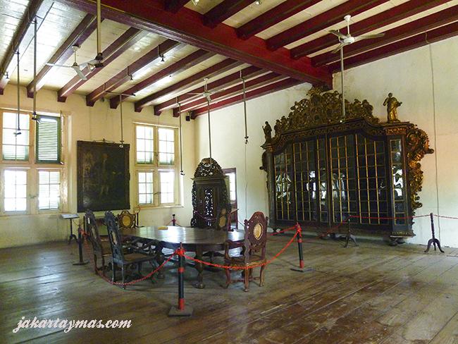 Muebles antiguos en el Museum Sejarah Jakarta