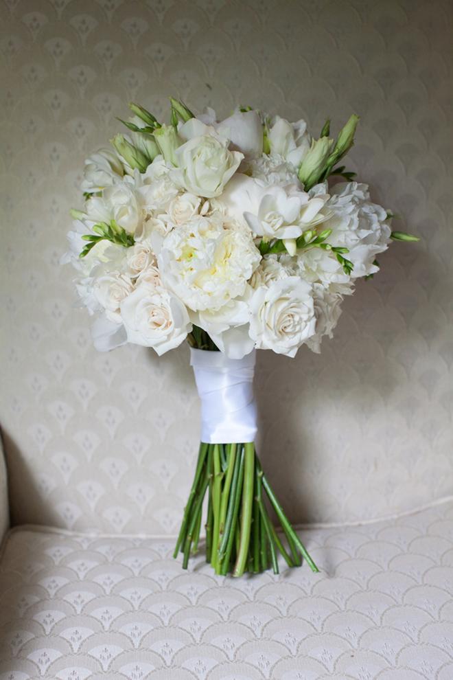 Elegant White Bridal Bouquet : Elegant timeless country club wedding belle the magazine