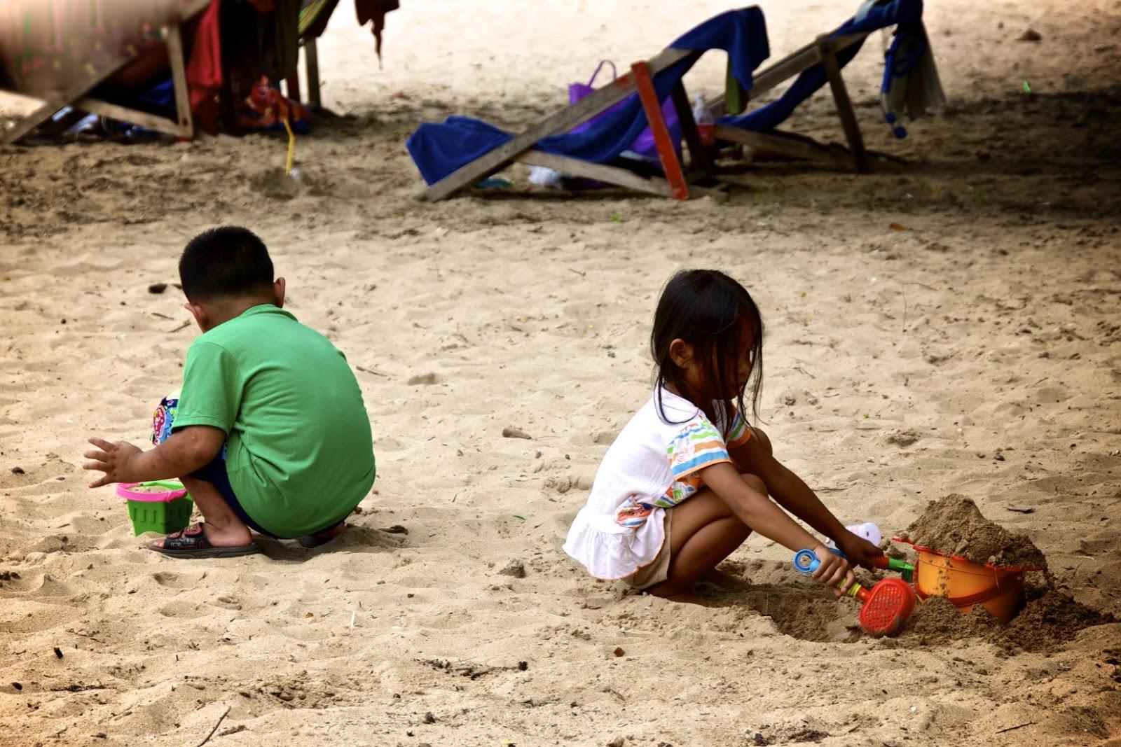 Семьями на пляже 12 фотография