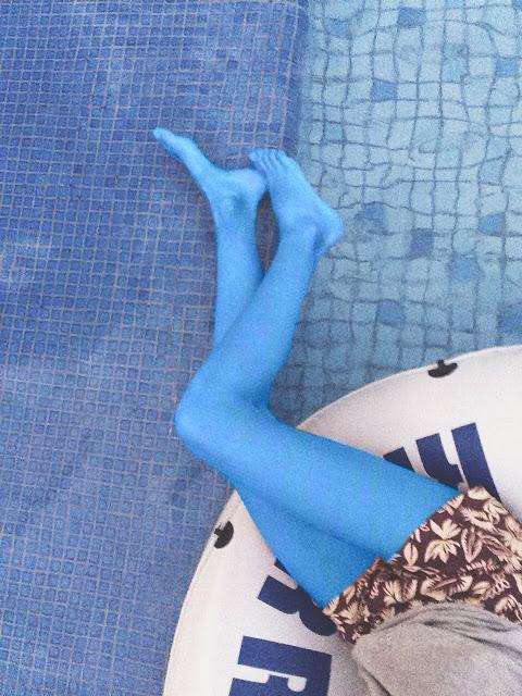Pernas na piscina