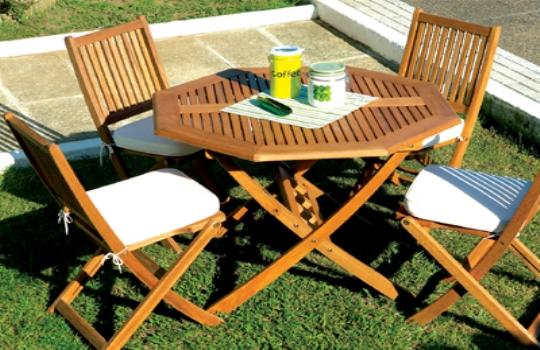 Arte y jardiner a vida al aire libre en el jardin for Mesas para jardin