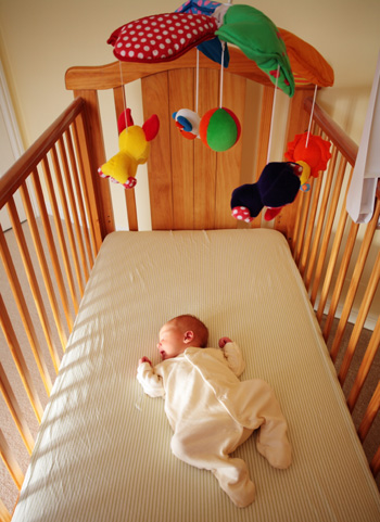 6 Things to consider when buying your baby's crib