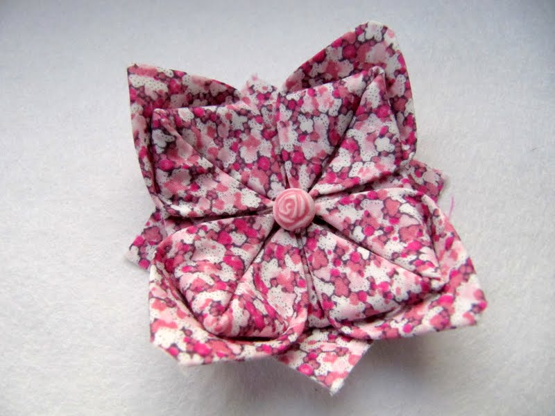 Knotted cotton how to make an origami liberty fabric brooch how to make an origami liberty fabric brooch mightylinksfo