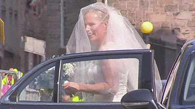 zara-phillips-mike-tindall-wedding-dress-pictures