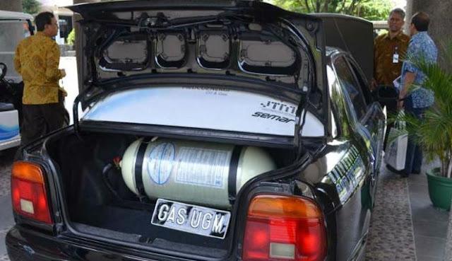 Mobil berbahan bakar gas karya UGM