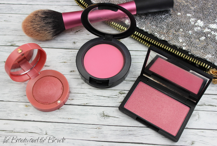 7 Shades of Pink Blushes: Bourjois Blush Rose Frisson, MAC Blush Pink Swoon und Sleek Blush Mirrored Pink