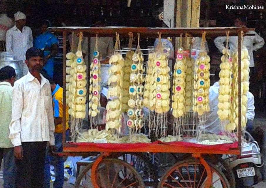 Image: Gathi Kankan, sweetmeats for Gudhipadva