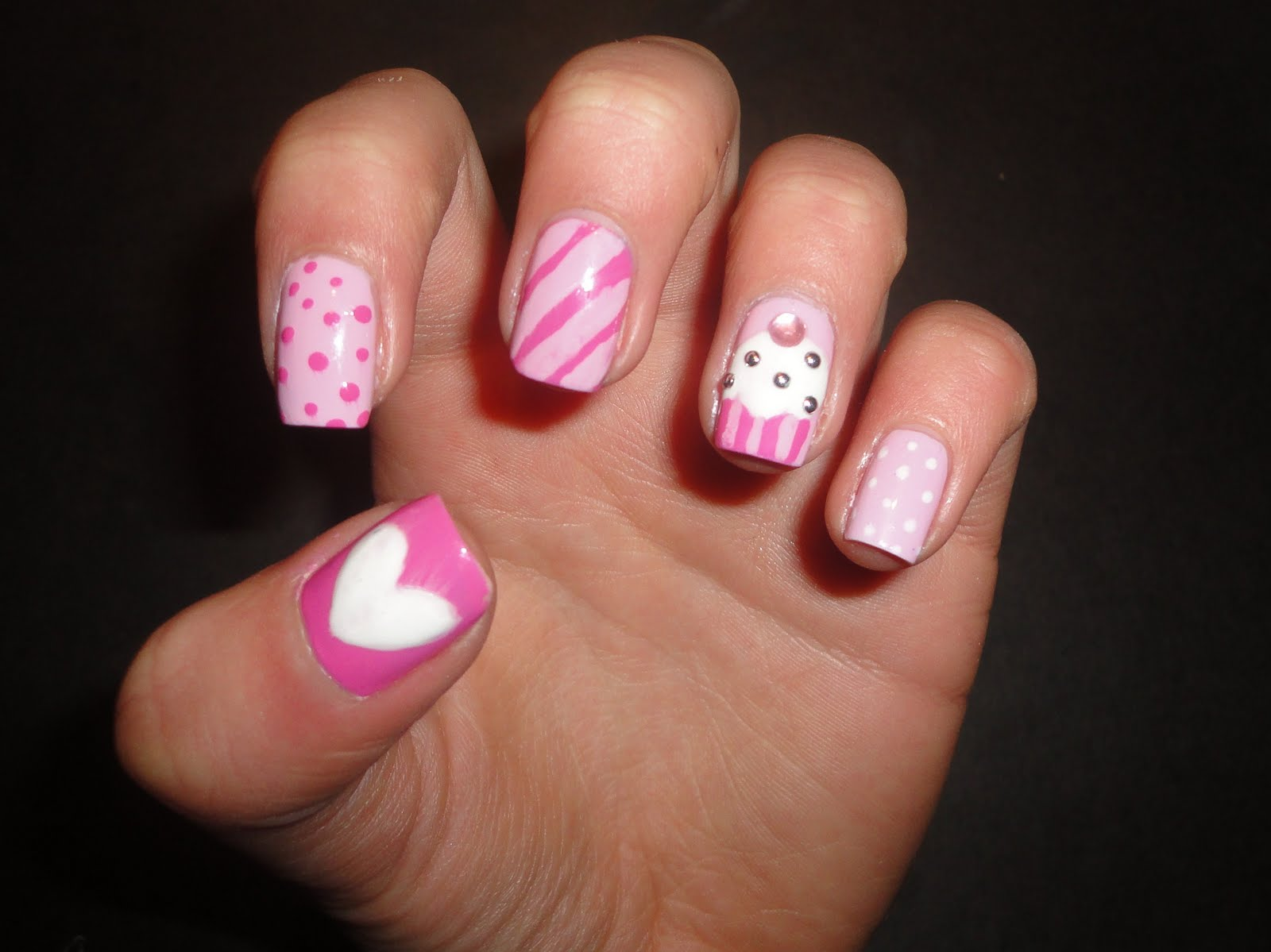 Uñas blancas | Short nail designs, Nails, Cute nails