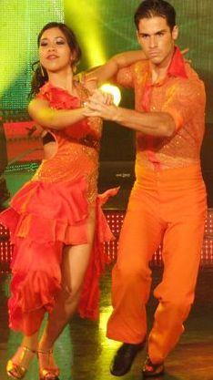 Jesús Neyra y Lucero bailando Paso Doble en Reyes del Show