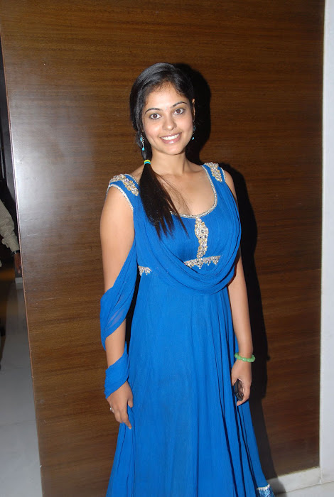 bindhu madhavi at celkon mobile successmeet, bindhu madhavi unseen pics