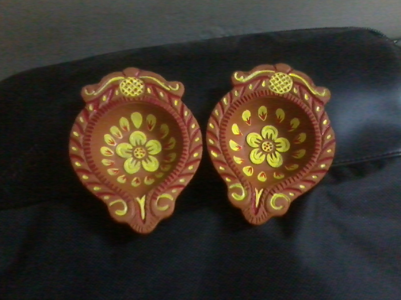 Colours Used For Diya Painting