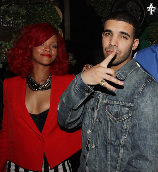 rihanna dating drake Rihanna and drake have been in an on and off relationship since 2009.