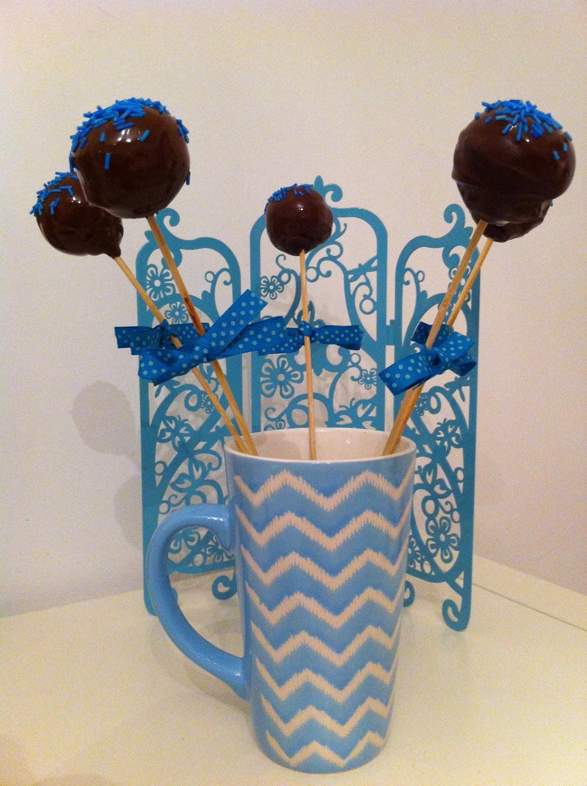 Miss moussie cake pops de oreo y leche condensada con for Cake pops cobertura