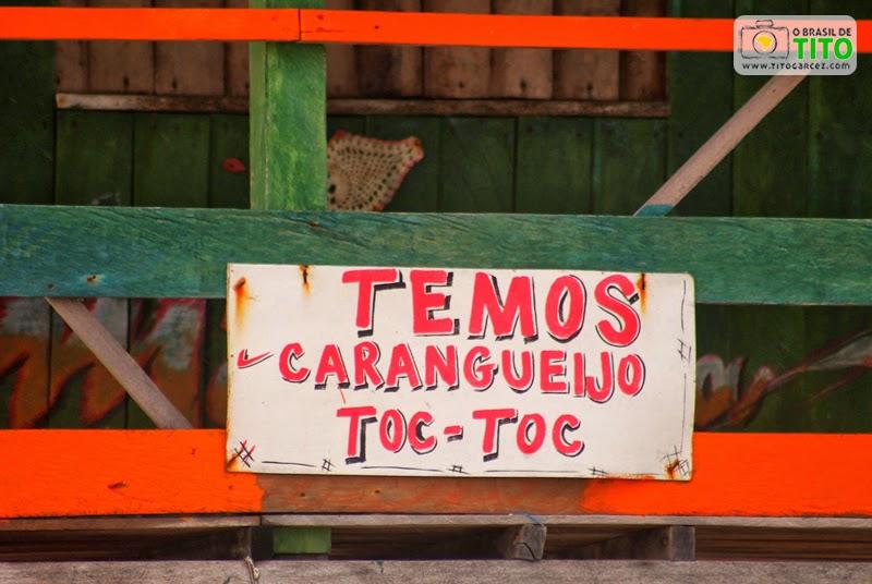 Placa do carangueijo Toc-Toc (que é o que precisa ser quebrado) na praia da Princesa, na ilha de Maiandeua (Algodoal), no Pará