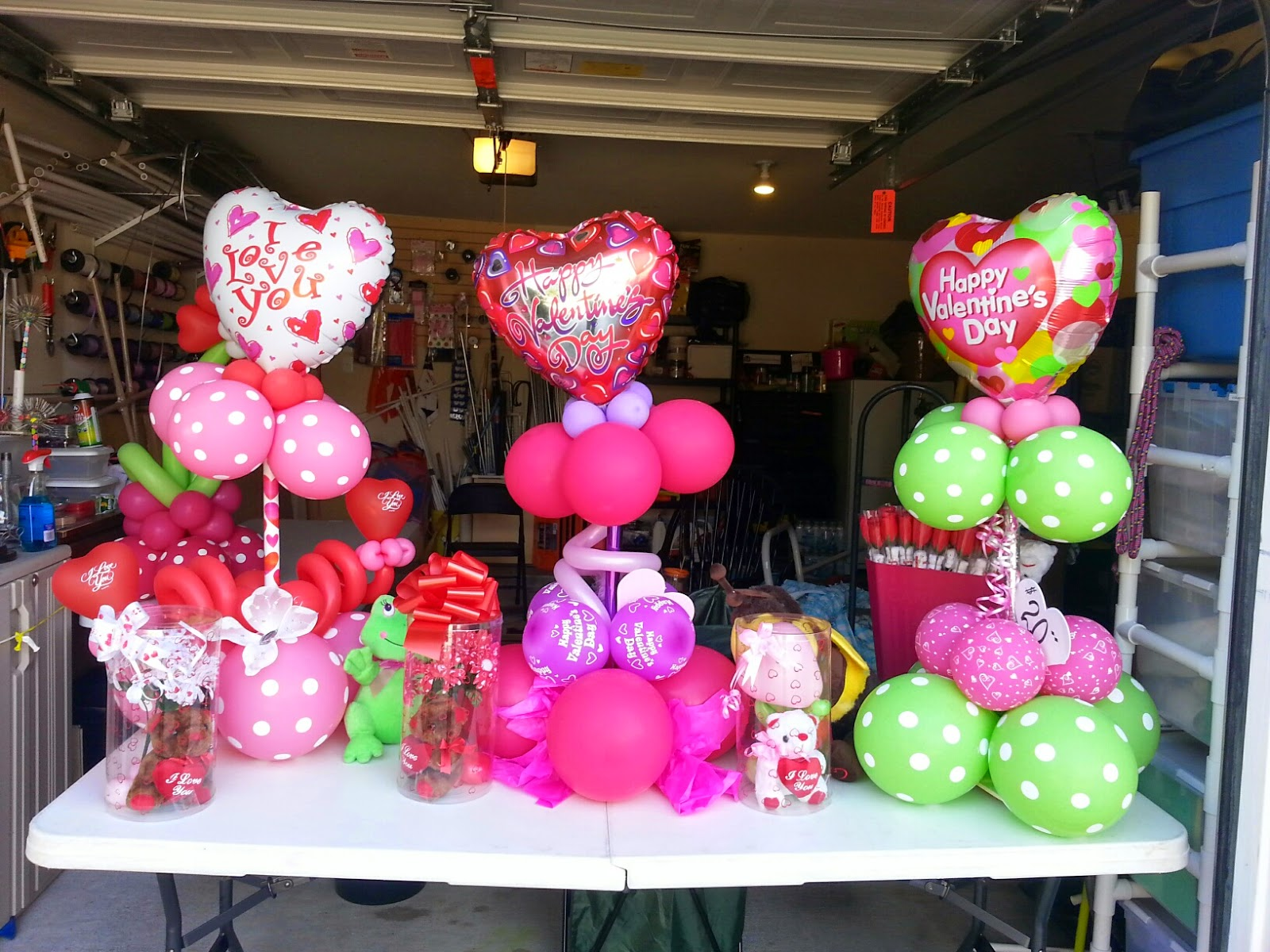 Holidaz by dezign custom balloon decor valentine 39 s gift for Balloon decoration for valentines day