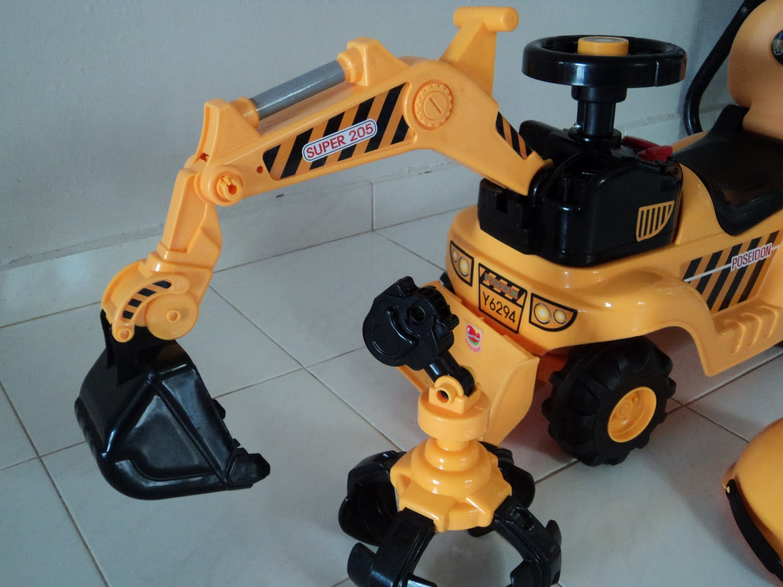 the right bike store imported new kids toy car excavator design