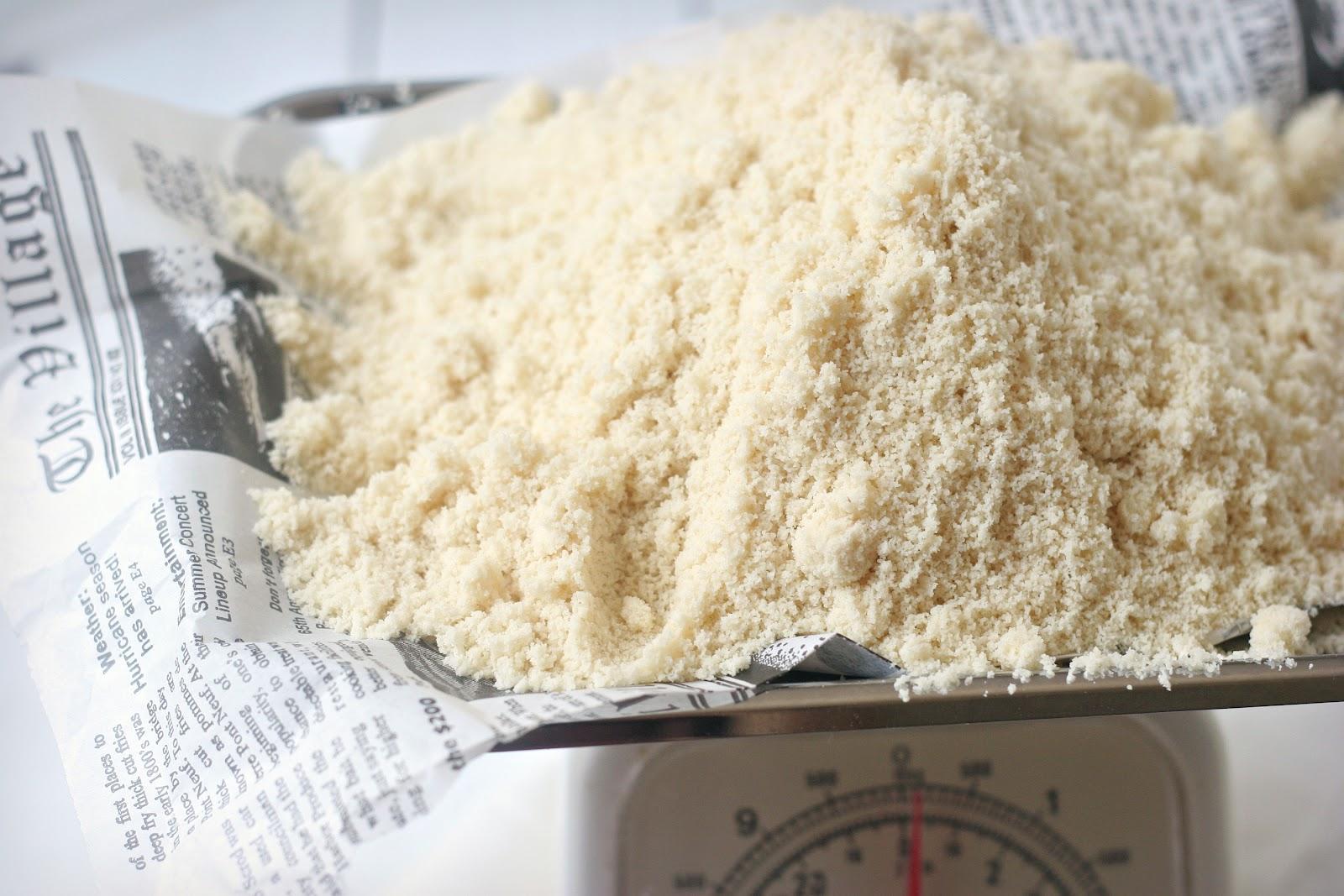 http://2.bp.blogspot.com/-6PKCIv1P8Fo/T7HXTvmu-YI/AAAAAAAAELc/dFG6cv4tHPs/s1600/flour%2Bon%2Bscale%2B2.jpg